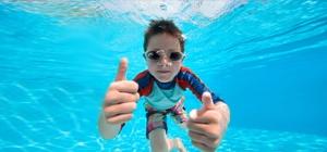 kafelki-plywanie-dzieci